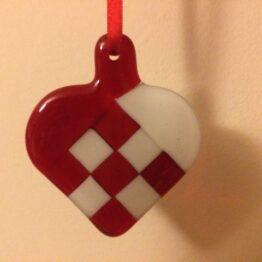 Rødt hvidt julehjerte